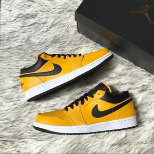 Nike Air Jordan 1 Low University Gold